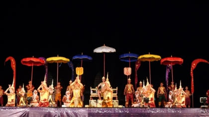 night-show-at-angkor-wat